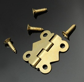 Brass colored hinge approx 1.5 cm  single pack